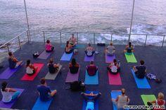 kinda looks like my soon to be pilates studio in hawaii.