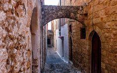 Die Altstadt von Rhodos gehört zum Weltkulturerbe der UNSESCOhttp://www.restplatzboerse.at/blog/blog-post/2014/09/22/10-mal-rhodos-insider-tipps-die-schoensten-straende/