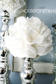 Craft: DIY paper napkins poufs on candlesticks - love the idea for Christmas (crimson) and winter (white) decorating - think I'll sprinkle in a few sparkles on the 'petal' edges Flower Crafts, Diy Flowers, Paper Flowers, White Flowers, Tissue Flowers, Flowers Vase, Table Flowers, Faux Flowers, White Roses