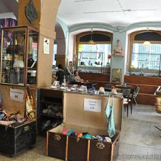 Vintage shop in downtown Lisbon: Located downtown, in the middle of the old commerce district, this vintage clothing shop has a cafe bistro serving tea, but also light meals that you can enjoy in the esplanade outside.  Sometimes, they have stock sales, so pay a visit to the shop.