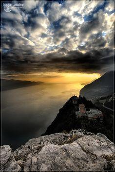 Montecastello #LagodiGarda #LakeGarda #Gardasee #LacdeGarde Places To Travel, Places To Visit, Beautiful Places, Beautiful Pictures, Lake Garda, The Good Place, Italy, Work Inspiration, Vacation
