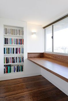 Stunning Modern Remodel Makes The Most Of A Small Space In A Sydney Apartment. - Stunning Modern Remodel Makes The Most Of A Small Space In A Sydney Apartment. Built In Desk, Built In Bookcase, Built Ins, Bookshelf Desk, Modern Bookcase, Bookshelves, Bedroom Desk, Home Decor Bedroom, Home Office Desks