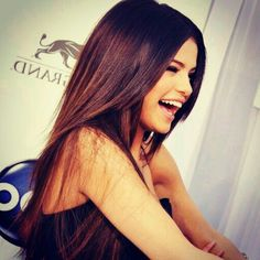 Smile like Selena Gomez