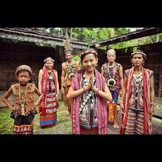 Dayak Benuaq tribe. Suku Dayak Benuaq di Tanjung Isuy, Kutai, Kalimantan Timur - Indonesia #suku #dayak