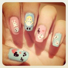 "Kawaii ""Alice in Wonderland"" nails, by ilaneparg on Instagram"