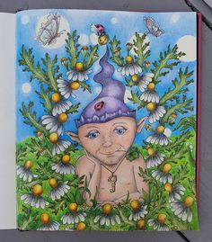 Mijn verliefde ventje is af  #magicaldelights #klaramarkova #repost #adultcoloring #kleurenvoorvolwassenen #pencilart #prismacolors #posca #drawings #colouring