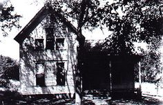 villisca-house. 2 adults and 6 children axed to death.  Unsolved Iowa murder.