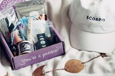 Looking for the best monthly subscription boxes for women? Discover women's subscription boxes for beauty, makeup, books, clothing, self-care and more right here on Cratejoy. Recieve what you love every month! Best Monthly Subscription Boxes, Subscription Gifts, Goddess Provisions, Gift Boxes For Women, Vegan Candies, Make Up Videos, Diy Videos, Beauty Box, Aromatherapy