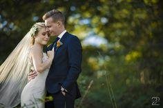 Outdoor wedding portraits at Bryn Du Mansion in Columbus, Ohio