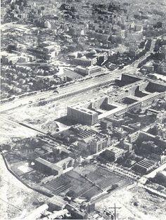 Vista aérea de Nuevos Ministerios eñ obras.intersección de Castellana y Raimundo Fernández Villaverde. Años 30.
