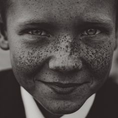 seriously. look at that precious face. and oh, those freckles.