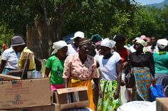 Helping People Through Zimbabwe's Hungry Months (29 May 2015, Photo: WFP\Tomson Phiri)