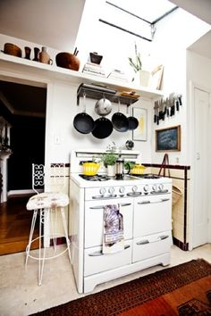 I used to own a stove exactly like this one. I loved it!