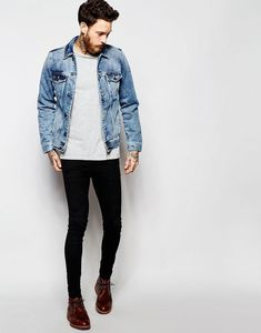 Image 4 of Pull&Bear Denim Jacket In Acid Wash. & Some tight ass jeans. Stylish Men, Men Casual, Denim Jacket Men, Men's Denim, Denim Jackets, Black Denim, Men With Street Style, Casual Outfits, Fashion Outfits