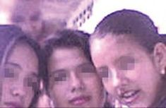 Three teenage girls from a Tolima town saw a ghost standing behind them in a photo taken after having played improvised satanic rituals. One of the teenagers asked her younger brother to take a photo of the girls to remember the evening. They had the shock of their lives when they discovered the clear image of a man standing behind them.