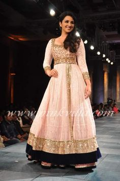 Parineeti Chopra, Dia Mirza, Prateik Babbar walk the ramp for Mijwan Sonnets in Fabric 2012 | PINKVILLA