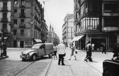 Madrid, Calle Mayor, 1963.  Fondo Fotográfico Santos Yubero. Archivo Regional de la Comunidad de Madrid