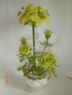 Лилии и розы   ¡ que hermosas se ven las rosas de ese color ¡