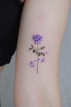 A collection of beautiful floral tattoo inspiration and ideas, including this rose tattoo. Rose Tattoo Hand, Hand Tattoos, Simple Rose Tattoo, Rose Tattoo Forearm, Dainty Tattoos, Finger Tattoos, Small Tattoos, Tatoos, Small Flower Tattoos