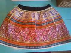 Craftylona: Embroided skirt fixing