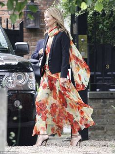 Kate Moss Shines in Summer Florals
