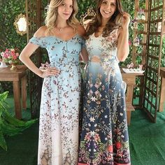 Fala sério,  tem vestidos mais lindos do que estes? Obrigada,  @gihgavazzi, Por tanta beleza em uma foto.  #amoantix #antixsp #amizade #antixsp #lookdodia #flores