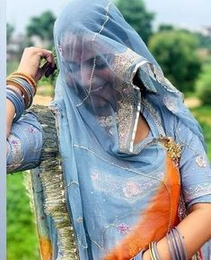 Rajasthani Bride, Rajasthani Dress, Bandhani Dress, Rajputi Dress, Indian Wedding Photography Poses, Designer Party Wear Dresses, Dress Neck Designs, Indian Bridal Fashion, Western Outfits