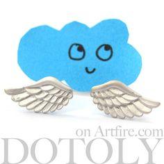 $10 Allergy Free Angel Wings Feather Detail Stud Earrings in Silver