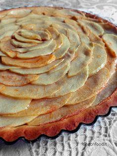 Cinnamon and ginger apple tart