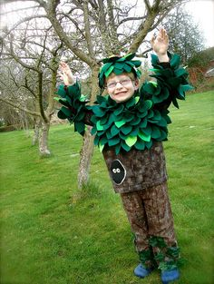 Handmade tree costume by *UnderTheWillowTree*, via Flickr