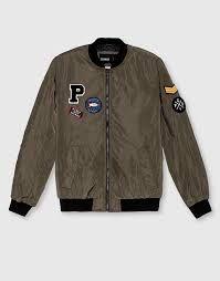 00e4018723 Cómo combinar chaquetas bomber para hombres. Esta es la tendencia estrella  de la… Chaquetas