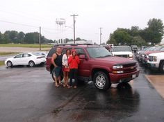 DALE and AMY Doty of Beecher City and their new 2005 CHEVROLET TAHOE! Congratulations and best wishes from Hosick Motors, Inc. and Brian Major.