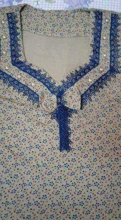 Gnader Salwar Suit Neck Designs, Neck Designs For Suits, Kurta Neck Design, Sleeves Designs For Dresses, Neckline Designs, Dress Neck Designs, Gala Design, Baby Frocks Designs, Embroidery Suits Design