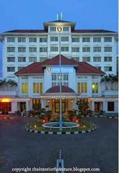 Inna garuda is an international hotel located in the city of Yogyakarta and is a five-star hotel. Located in the heart of Yogyakarta, the hotel is always crowded every day, especially when the holiday season arrives.