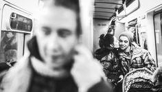 街中での「Kiss」を撮影した、17枚の写真   TABI LABO