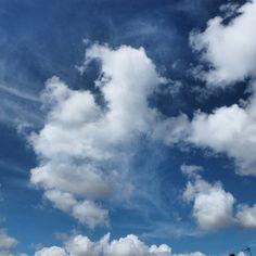 Buenos días #photooftheday #photography #instagram #igers #sky #goodmorning  #loquevenmisojos by edugranizo