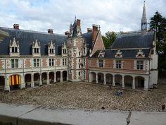 Chateau de Blois courtyard
