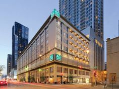 AC Hotel Chicago Downtown Chicago (Illinois) Less than a block away from the iconic Magnificent Mile strip, this boutique hotel is located in Chicago?s River North district and features a state-of-the-art fitness centre, heated indoor pool and free WiFi.