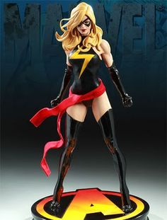 Comics and Geeks: Sideshow Collectibles: Ms. Marvel Statue - want!