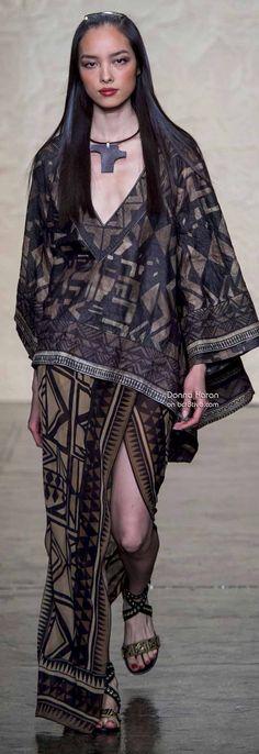Donna Karan Spring 2014 RTW - Runway Photos - Fashion Week - Runway, Fashion Shows and Collections - Vogue 90s Urban Fashion, Tribal Fashion, Urban Dresses, Urban Outfits, Donna Karan, Fashion Show, Fashion Outfits, Fashion Design, Runway Fashion