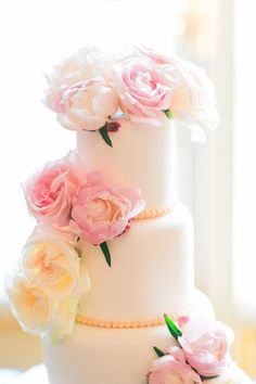 Lush wedding cake: http://www.stylemepretty.com/destination-weddings/2015/02/09/romantic-parisian-destination-wedding/   Photography: One & Only Paris - http://oneandonlyparisphotography.com/