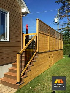 Check out this hip %%KEYWORD%% - what an imaginative type Privacy Wall On Deck, Privacy Walls, Above Ground Pool Decks, In Ground Pools, Patio Plans, Outside Living, Decks And Porches, Deck Design, Outdoor Areas