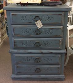 $159.95 beautiful 5 drawer blue chest of drawers spotted in Marietta 10/22 (tnep)