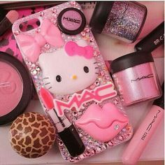 Ideas For Wallpaper Iphone Disney Pink Love Hello Kitty Bling Phone Cases, Diy Phone Case, Iphone Cases, Hello Kitty House, Hello Kitty Items, Cute Cases, Cute Phone Cases, Coque Ipad, Decoden Phone Case