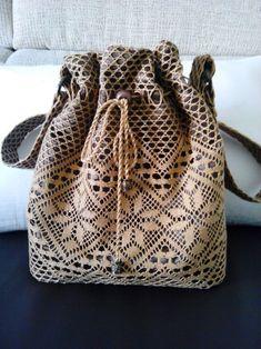 Matilde Sanchez - Página web de matibolillera Bobbin Lace Patterns, Lacemaking, Crochet Purses, Crochet Crafts, Craft Videos, Bucket Bag, Tatting, Handmade, Bags