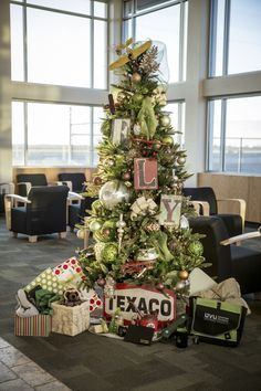 Image Result For Airplane Theme Christmas Tree Christmas Tree Themes Christmas Tree Holiday Decor