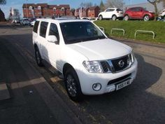 Used 2013 (63 reg) White Nissan Pathfinder 2.5 dCi Tekna 5dr for sale on RAC Cars