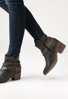 chaussure mustang homme zalando. Black Bedroom Furniture Sets. Home Design Ideas