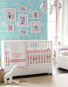 Totally diggin the aqua. I am becoming more obsessed with using it in my baby girls nursery.