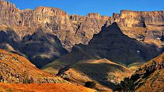 Drakensburg Mountains Explore the beauty of South Africa www.freespiritholiday.co.uk